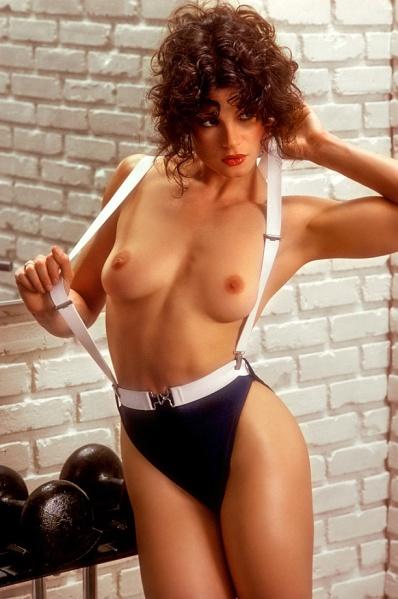 lisa lyon utvikt topless 1980