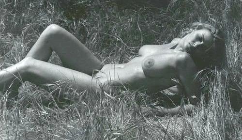 anita ekberg ligger naken 1955